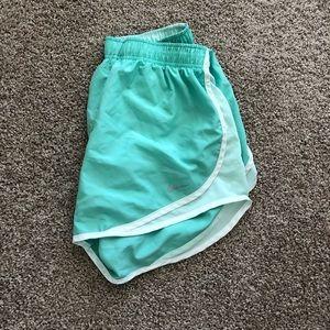 """Nike Women's 3"""" Dry Tempo Running Shorts - M"""